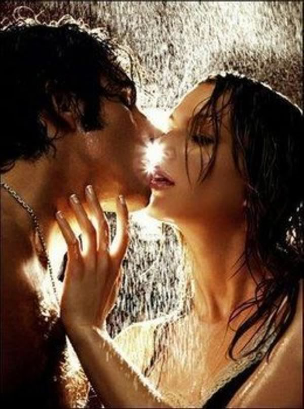 Make Romantic Kiss